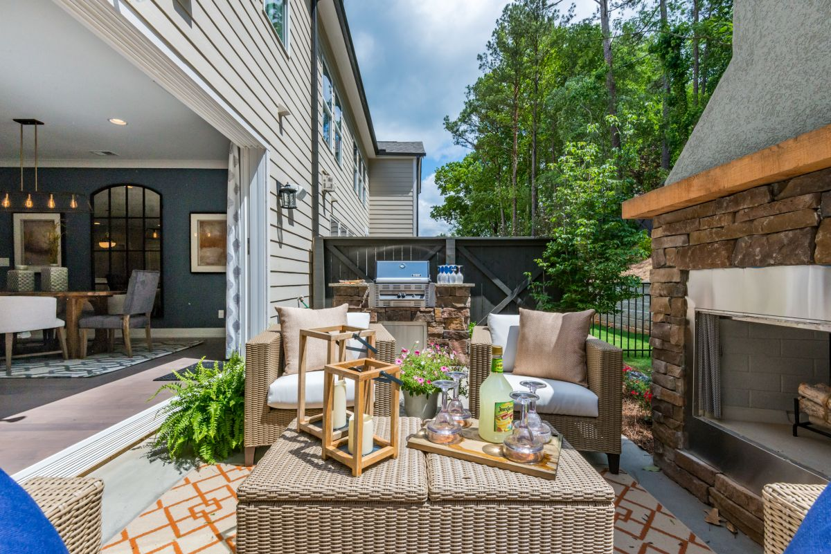 Outdoor Living with Kitchen and Fireplace | Atlanta Home Remodeling | StonecrestWorks